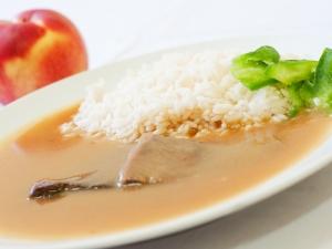 Hovězí pečeně na šípkové omáčce, dušená rýže