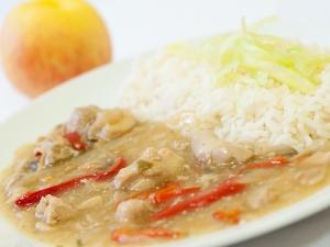 Kuřecí kung pao s dušenou rýží
