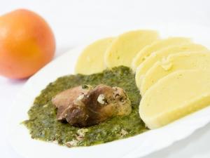 Moravský vrabec, bramborové knedlíky, špenát