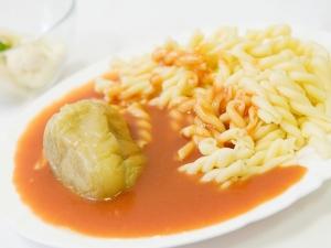 Paprikový lusk plněný, těstoviny