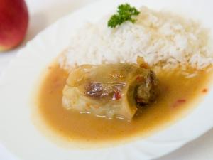 Plněný paprikový lusk, rýže dušená