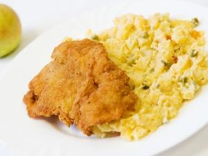 Rybí filé, bramborový salát