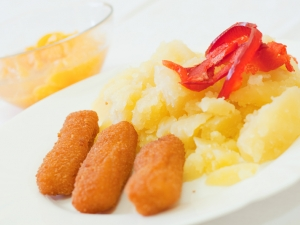 Rybí prsty z pangasia, brambory