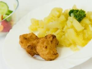 Smažený květák, brambory