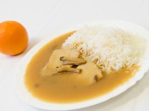 Vepřová pečeně na žampionech, rýže