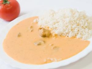 Vepřové maso na paprice, rýže dušená
